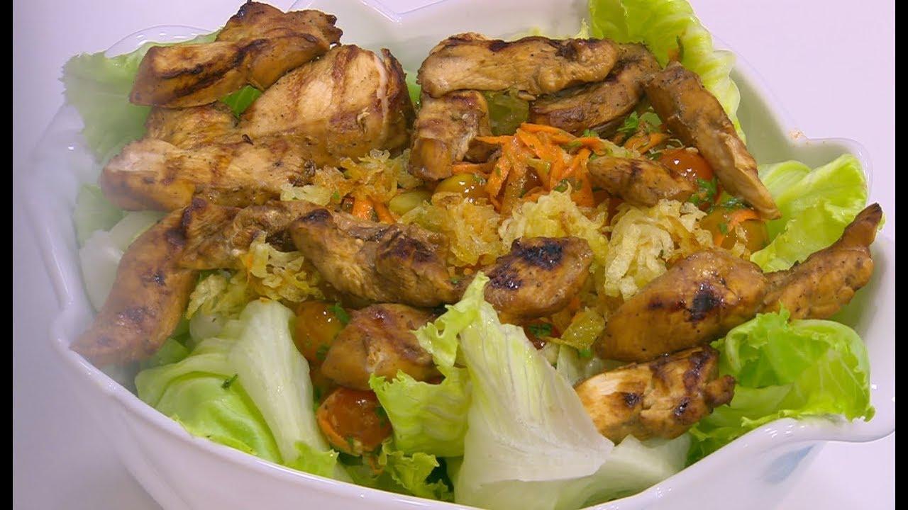 طريقة تحضير سلطة دجاج مع الحمّص والخضراوات لرجيم مثالي