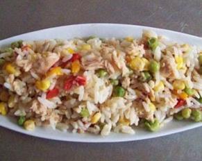 طريقة تحضير سلطة الأرز بالتونة والخضار