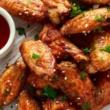 طريقة تحضير أجنحة الدجاج بالثوم والفلفل الحار